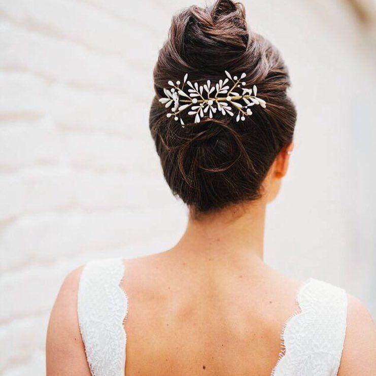 Hortense By Lizeron Www Lizeron Fr Crown Old Mariage Wedding Hairdressing Hairstyle Frenc Dress Hairstyles Bridal Musings Wedding Blog Bride Inspiration