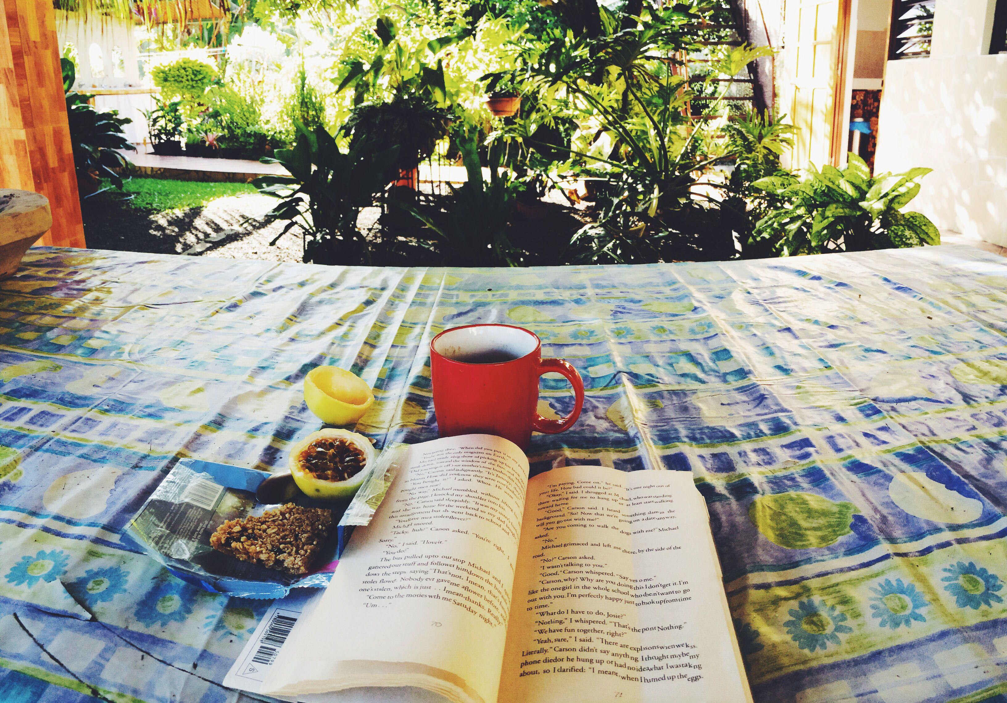 Reading in paradise || Papara, Tahiti