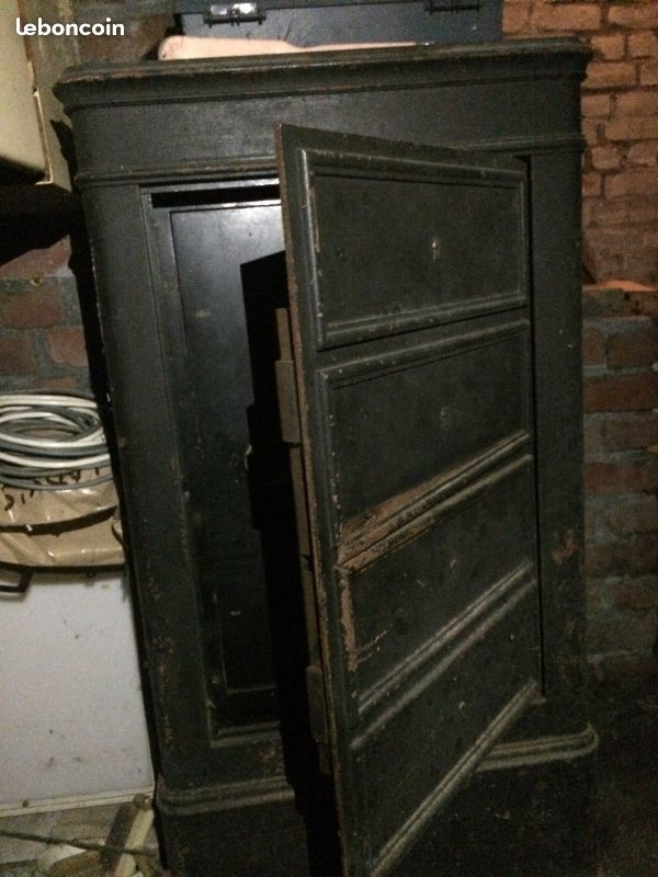 coffre fort ancien vintage raoult quipements industriels nord antiek. Black Bedroom Furniture Sets. Home Design Ideas