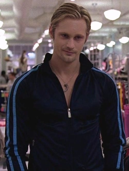 god he is perfect in a tracksuit....