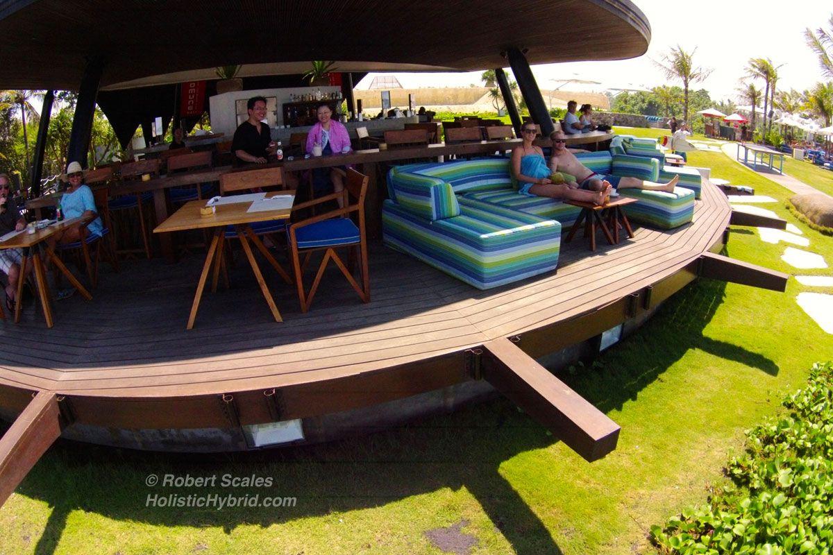 Komune-Beach-Club-Barrestaurant.jpg (1200×800)