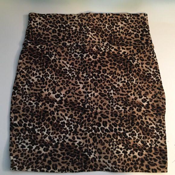 mini pencil skirt cheetah print mini pencil skirt! I will take other offers on the price :) Charlotte Russe Skirts Mini