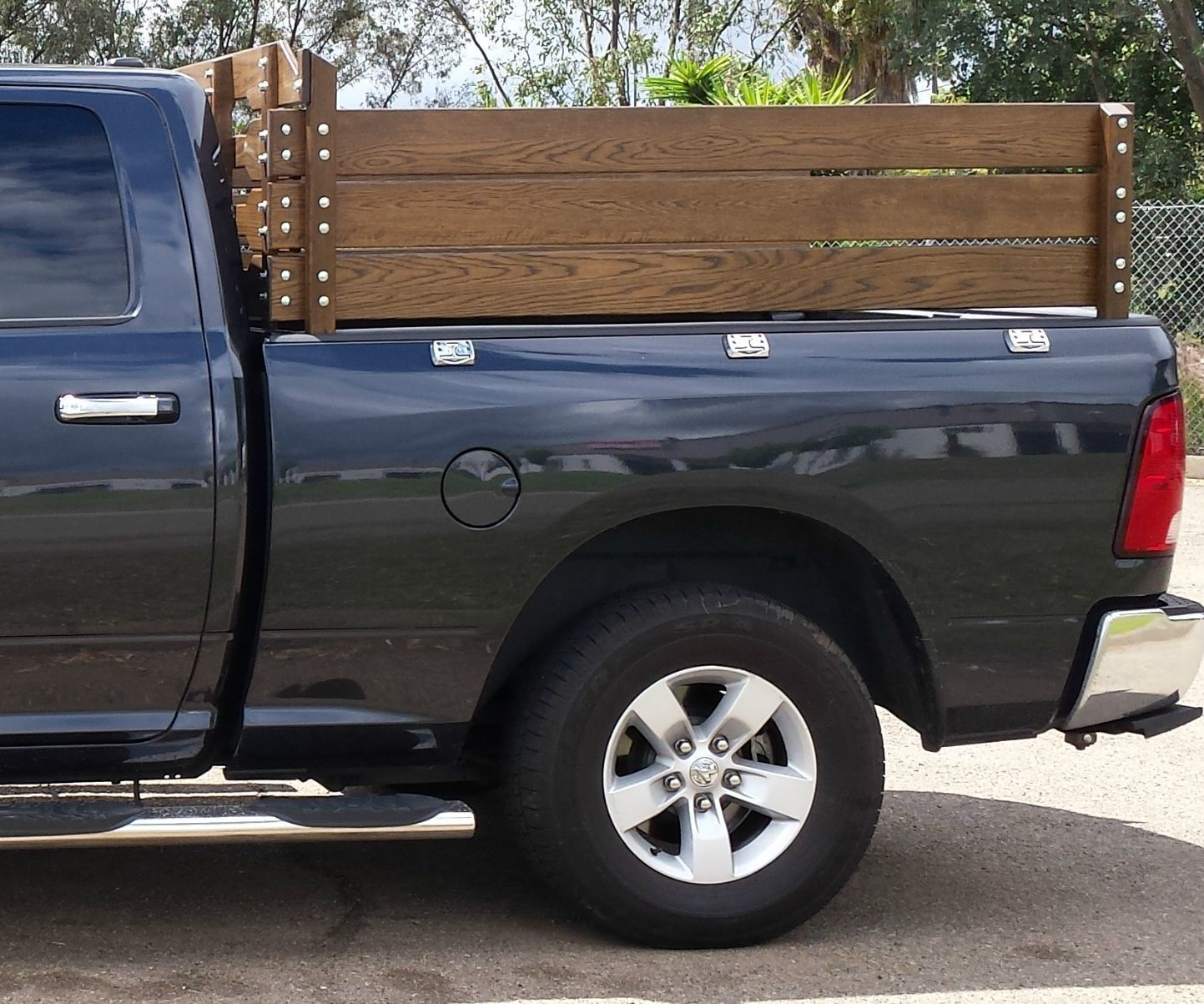 Stake Sides/Fence Sides With Added Gates for 2014 Dodge 1500 4x4 Pickup  Truck