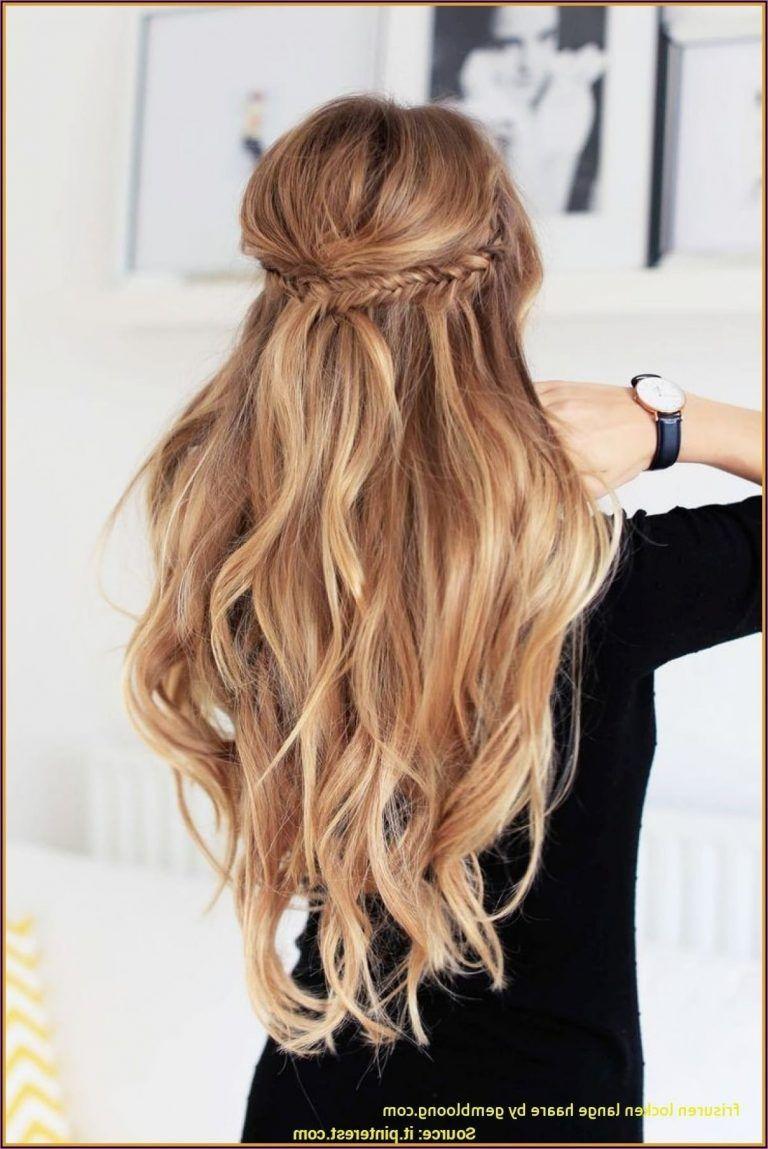 9 Haarschnitte für lange dicke Haare   Frisur hochgesteckt