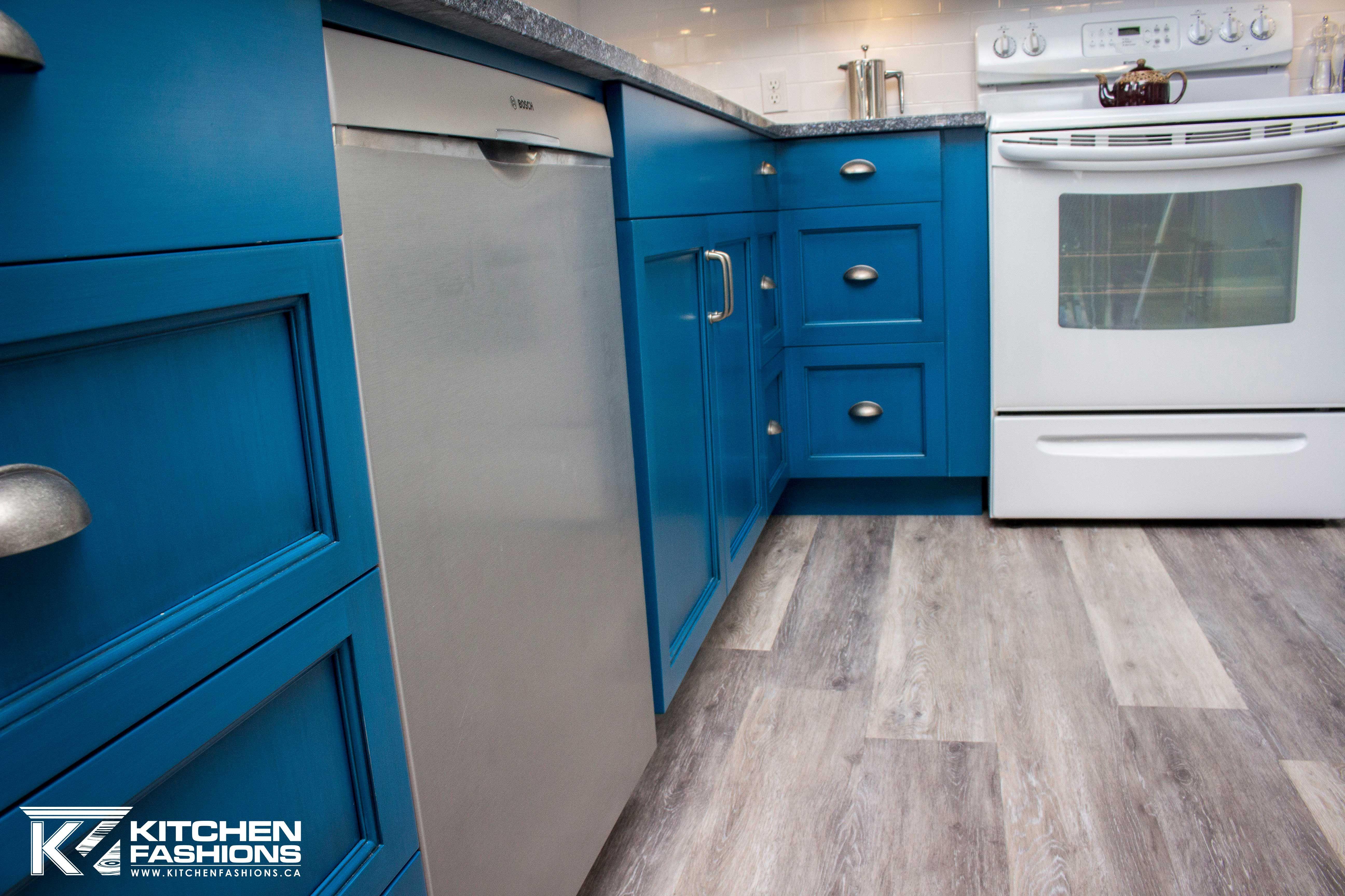 Royal cobalt Tardis Blue Kitchen Cabinets (With images ...