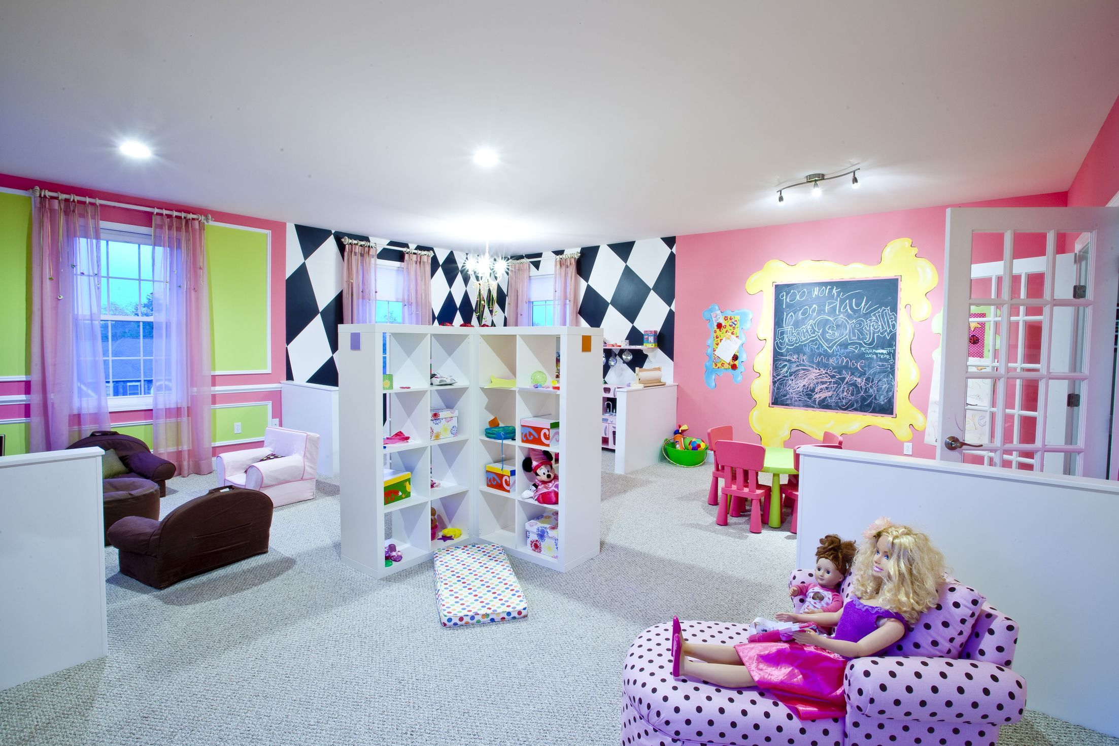 Little girls playroom children 39 s game rec room for Kids rec room ideas