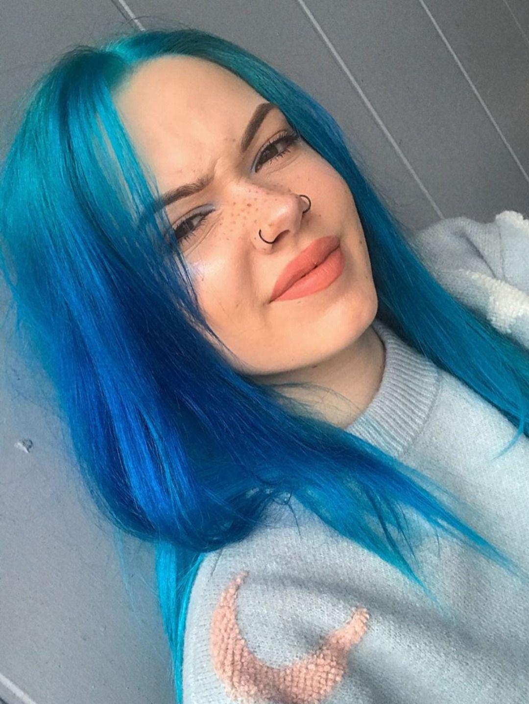 Billiedawningle She Blu Again In 2020 Bright Blue Hair Blue Hair Aesthetic Blue Hair