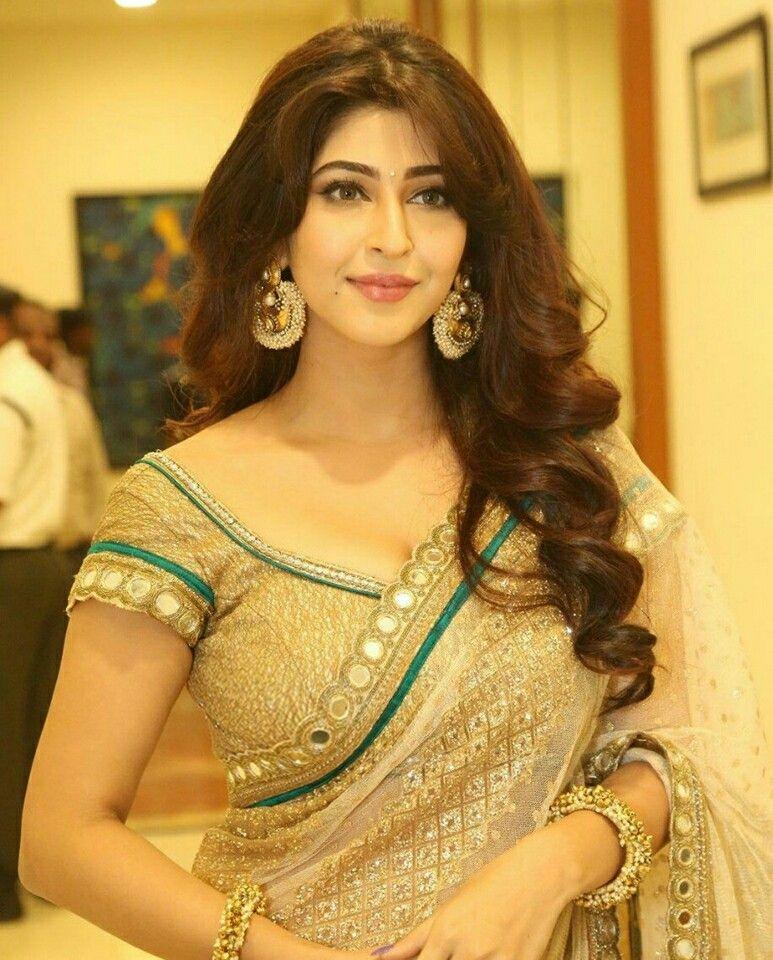 Sonarika bhadoria waoo what a beauty in saree for Lovely hot pics
