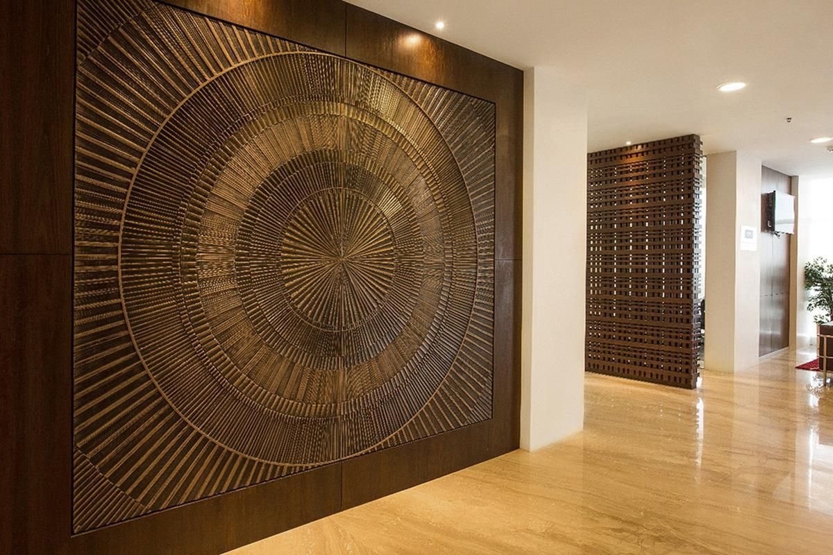 Feature wall in Bonded Bronze with Dark Patina and Solstice