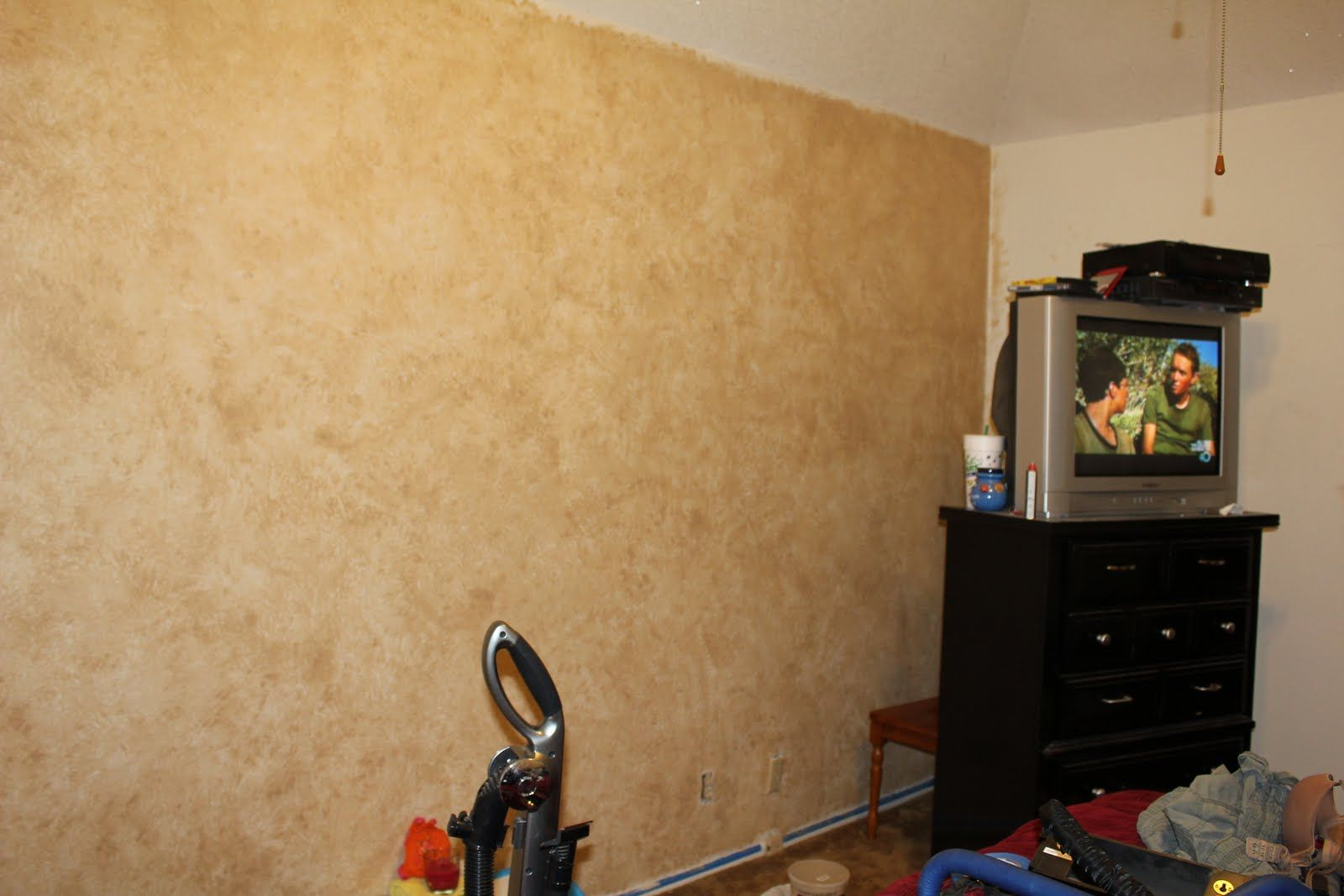 Sponge Painted Wall Beige With Images Sponge Painting Walls