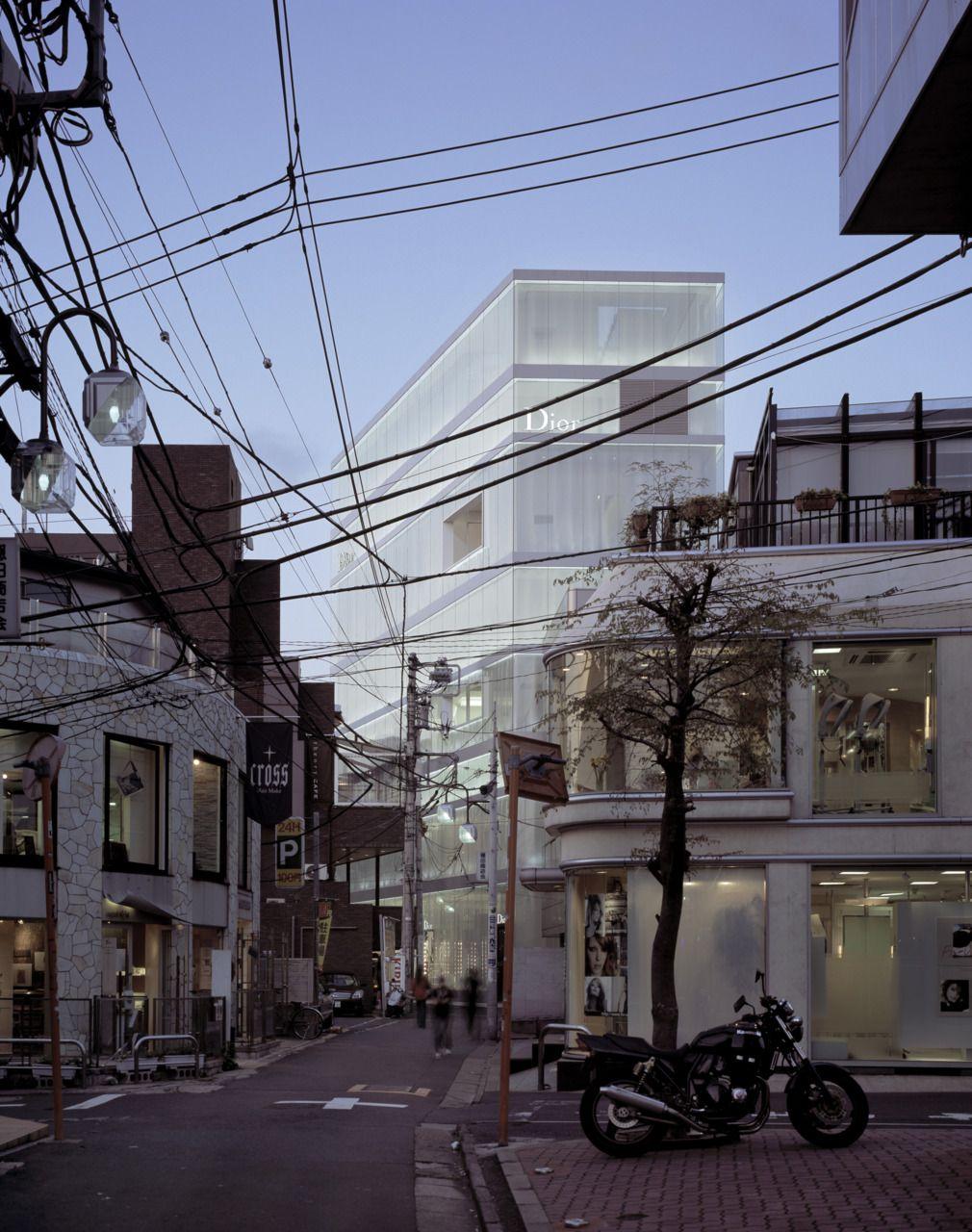 Christian dior omotesando tokyo sanaa arch box architektur - Japanische innenarchitektur ...