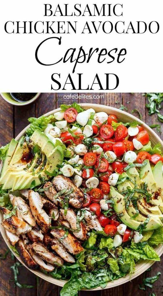 Balsamico-Hähnchen-Avocado-Caprese-Salat ist eine schnelle und einfache Mahlzei…