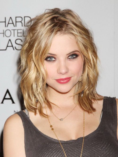 17 Best Haircuts For Round Faces  Woman hairstyles Wavy lob and