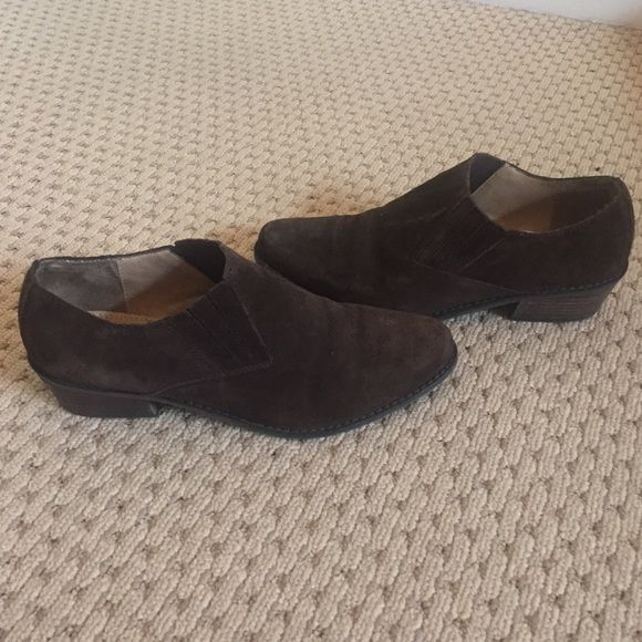 **Great Condition Nickels Women's Size 8 Booties! **Great Condition** Nickels brand size 8 ankle boots! Suede style in dark brown with minimal signs of wear! Low heels made perfect for walking and everyday! Super cute and classic! Nickels Shoes Ankle Boots & Booties