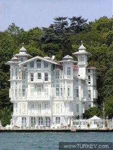 informative guide to yalis (historical wooden mansions) along the Bosphorus in Istanbul • by Jessica Tamturk