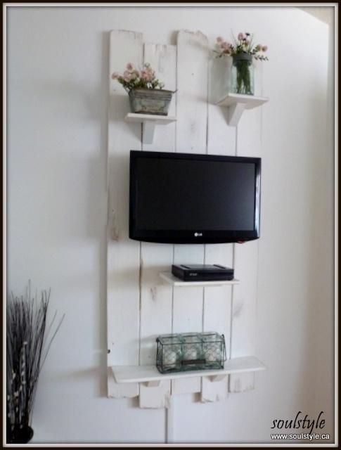 DIY:: Fence Gate TV Wall (Excellent Tutorial)   tv wall ...