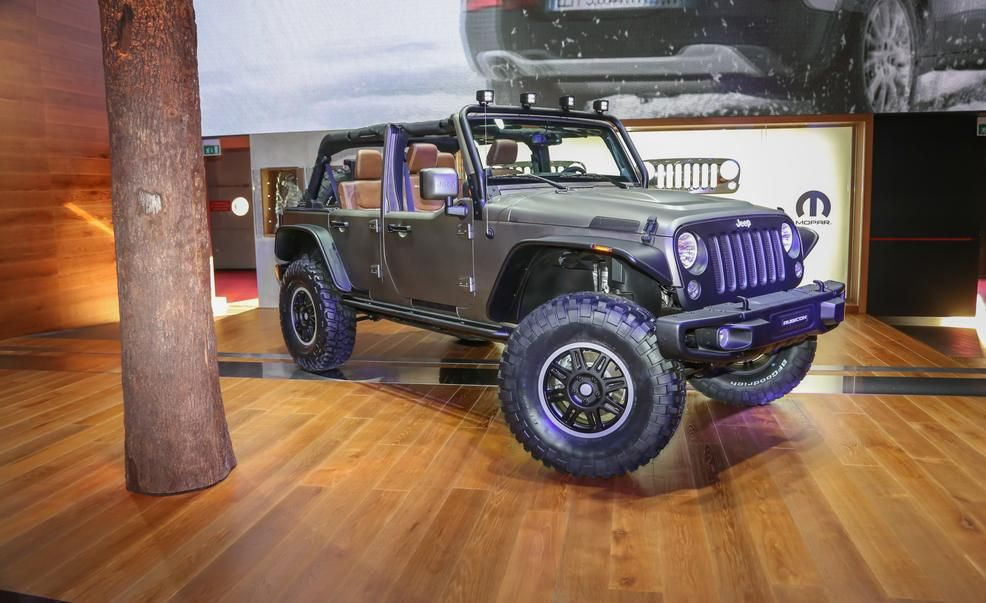 Jeep Wrangler Unlimited Rubicon Stealth Edition Pictures With