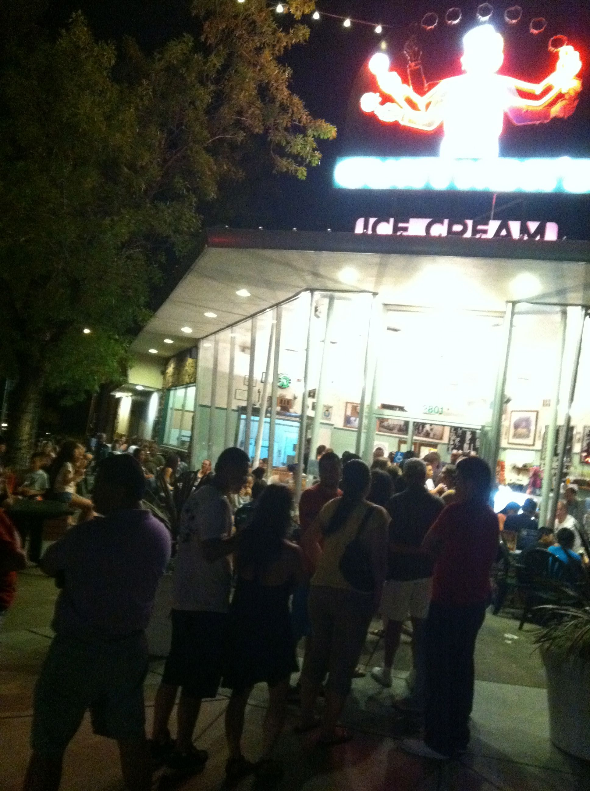 Gunthers ice cream at 930pm after a record hot day of
