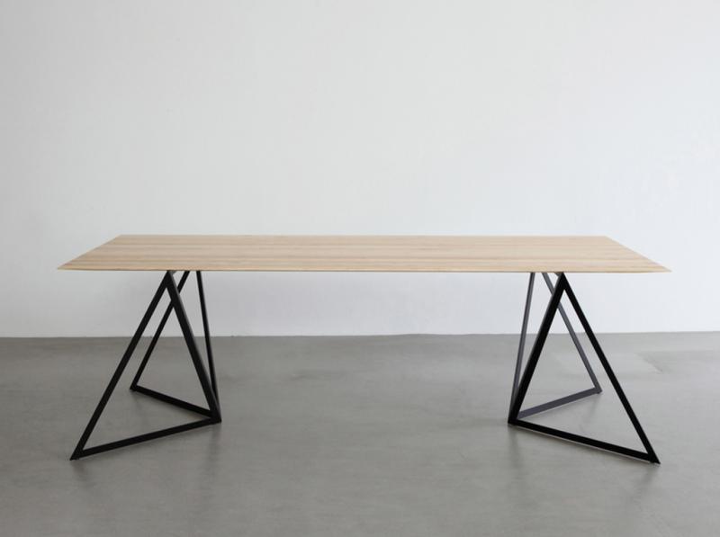 Pieds De Table Steel Stand Par Sebastian Scherer Blog Deco Design Pieds De Table Pied De Table Metal Mobilier De Salon