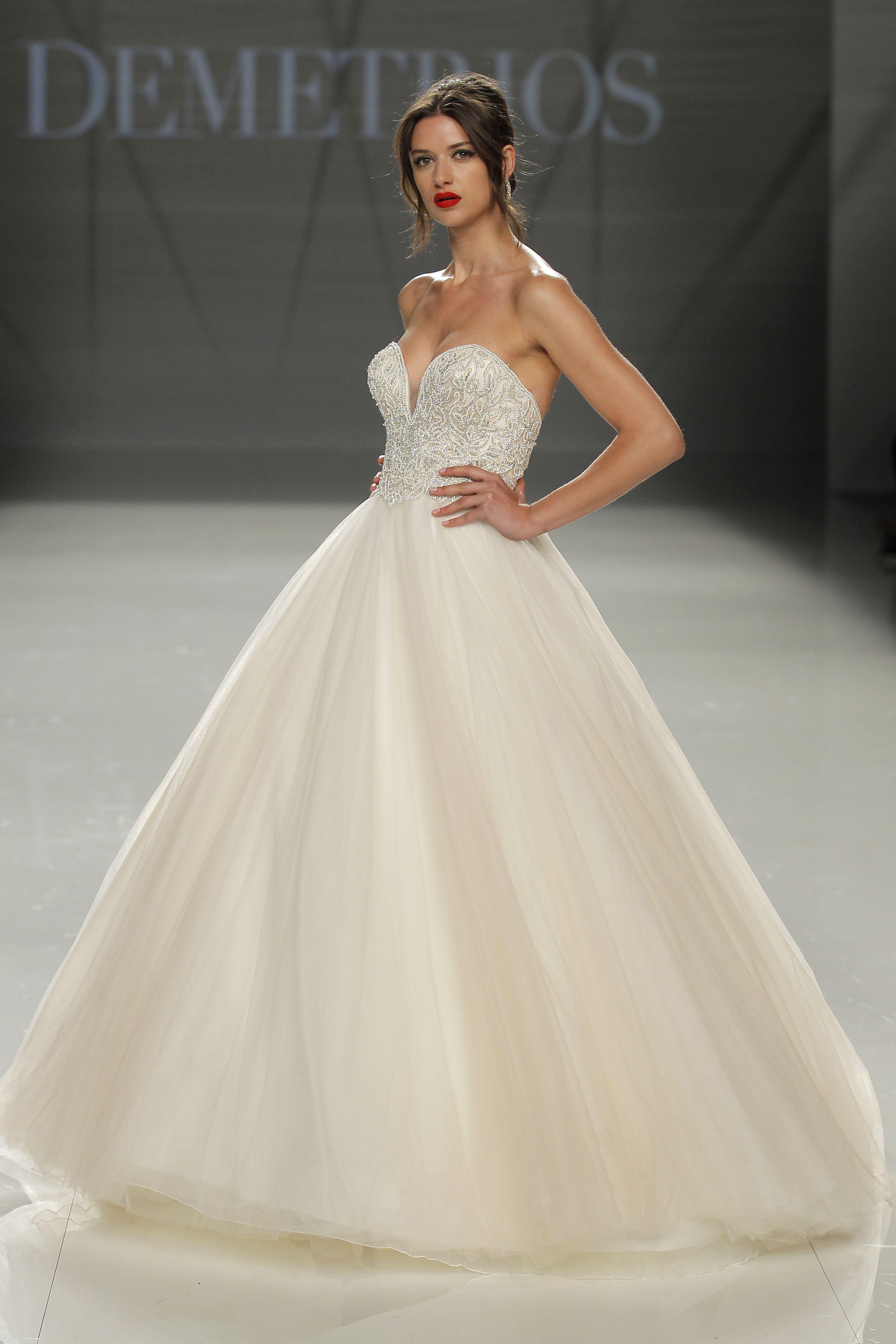 Vestido de noiva de demetrios dmt corte princesa decote