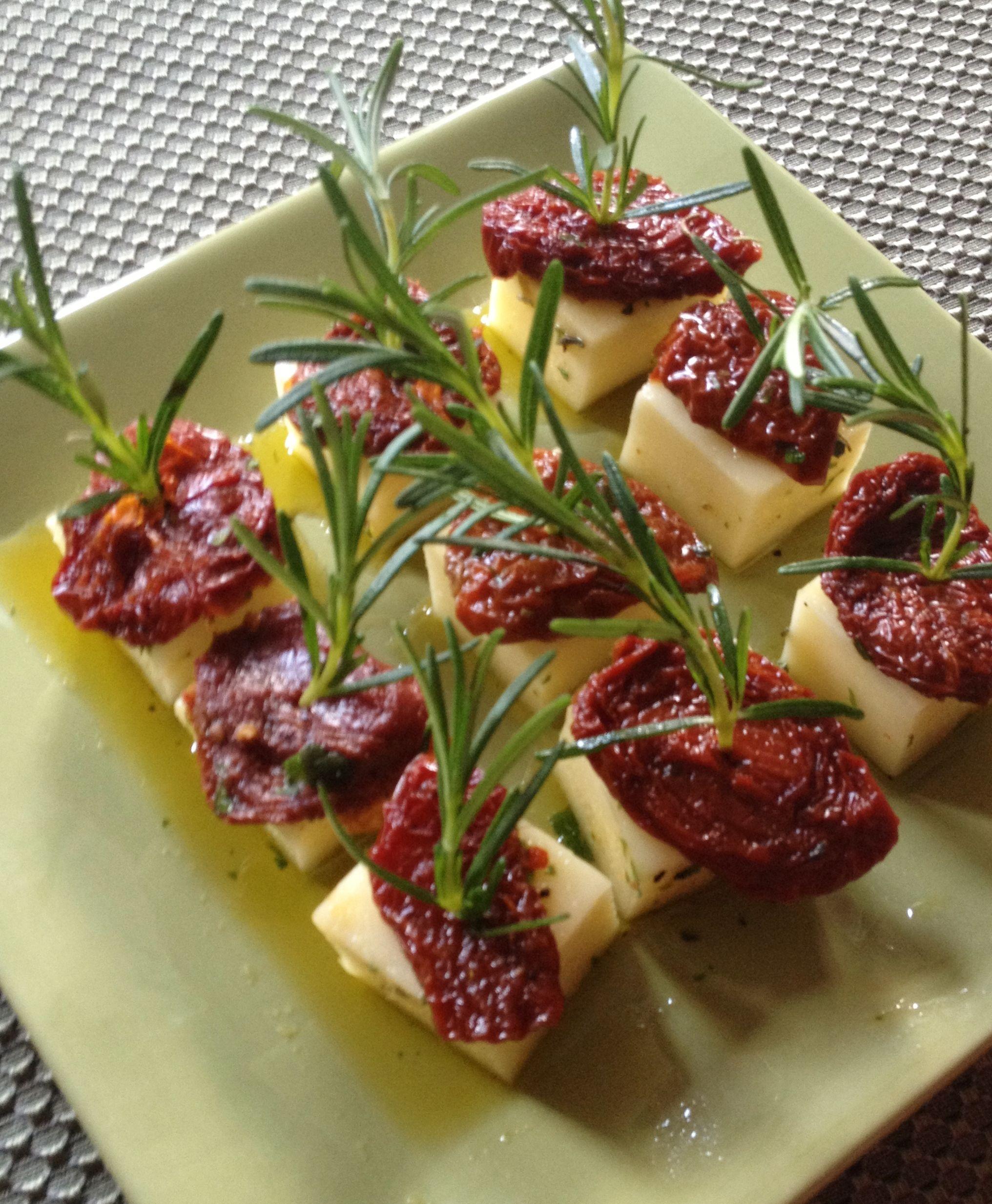 Marinated Mozzarella, Sun Dried Tomato, And Rosemary Appetizers  Jee