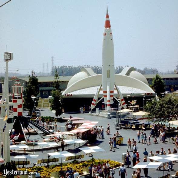 Disney S Tomorrowland Circa 1957 With The Twa Rocket Disneyland Tomorrowland Disney Rides Disneyland Photos