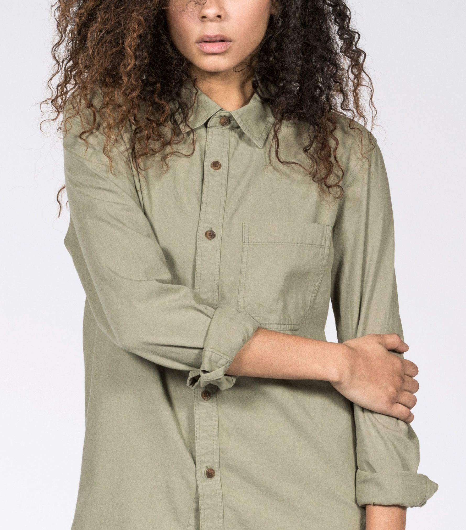 In washed and faded fabric, this slouchy shirt has rad vintage utilitarian style.