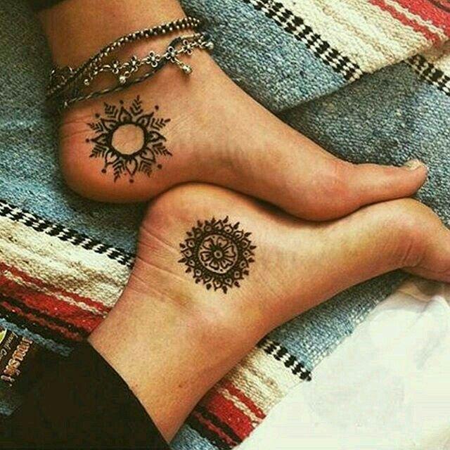 Henna Tattoo Einfach Klein: Pin Von Isi Auf Tattoos Klein