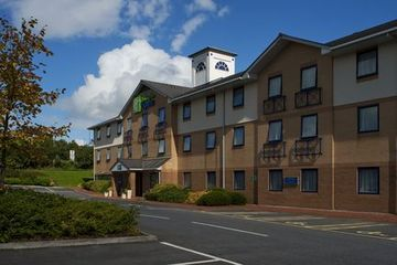 Tbeds Com Online Hotel Bookings And Reservations Holiday Inn Hotel Europe Hotels