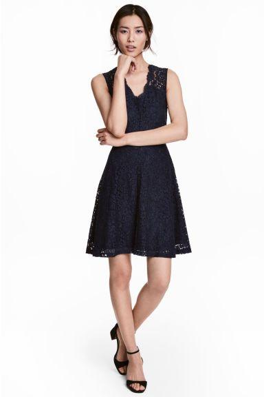 54f647eba5 Koronkowa sukienka w serek - Ciemnoniebieski - ONA