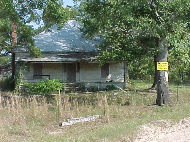 Old Farms For Sale Ga This Is The Old Farm House On 546 Acres That Is For Sale Farm Cottage Old Farm Houses Farm House For Sale