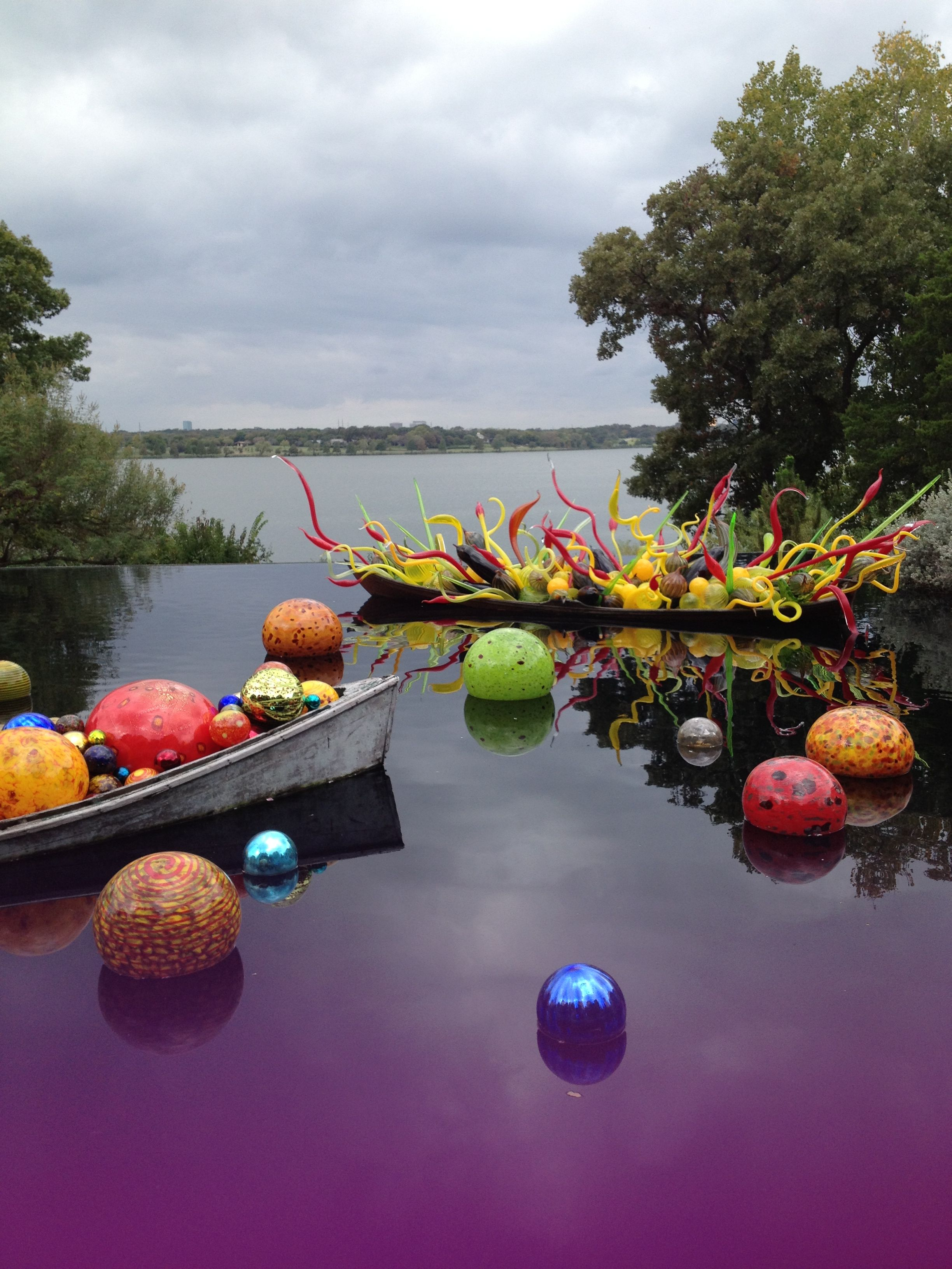 Chihuly love seeing his work in landscapes chihuly