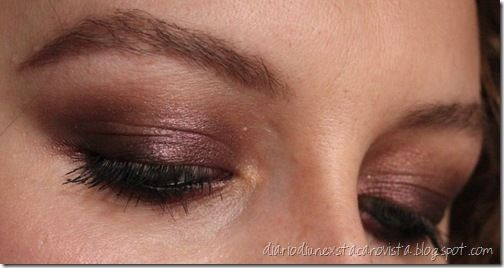 violet smoky eyes