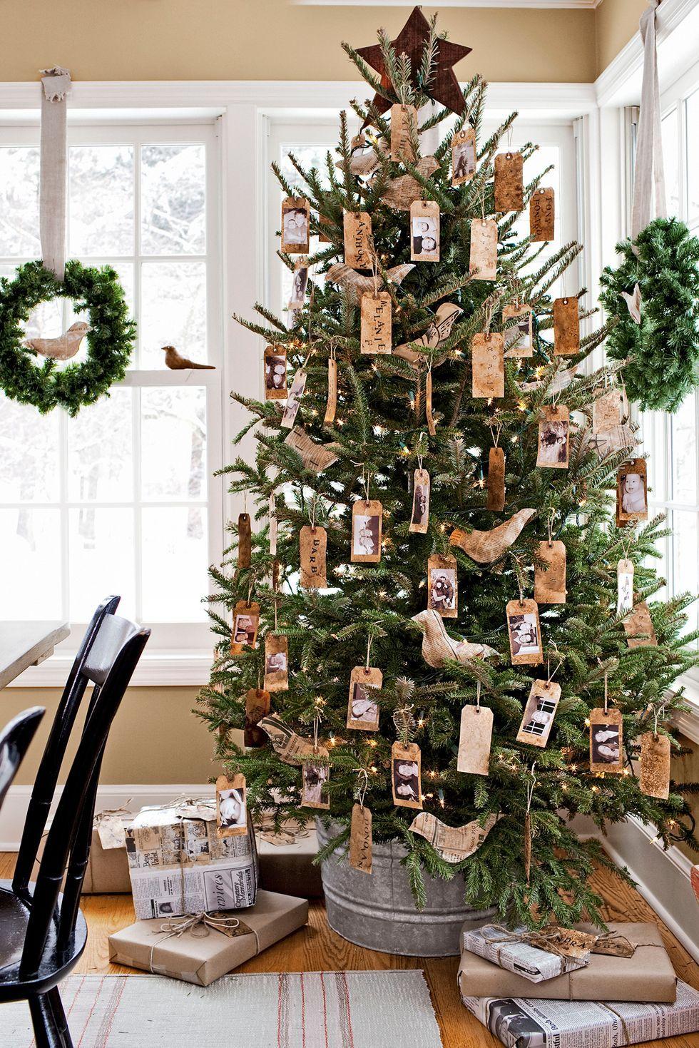 50 Statement Christmas Tree Decor Ideas To Try Now In 2020 Christmas Tree Decorations Cool Christmas Trees Christmas Tree