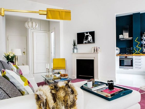 Casinha colorida: Dois apartamentos vintage urbano com pitadas de cores