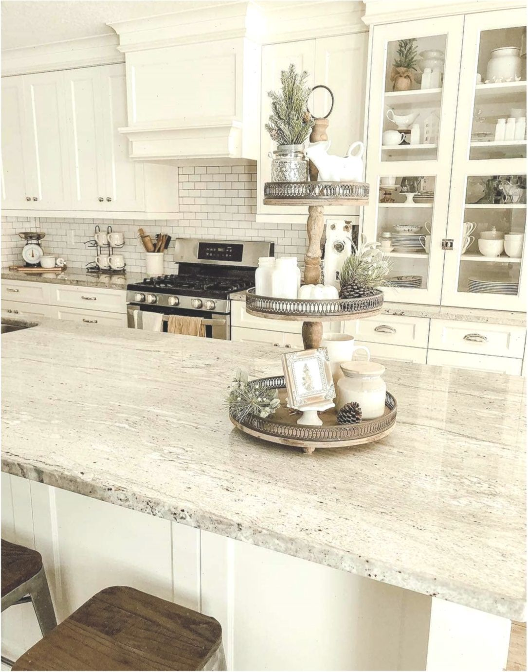 farmhouse goals on instagram this kitchen is just beautiful we wou kitchen b in 2020 on farmhouse kitchen granite countertops id=41064