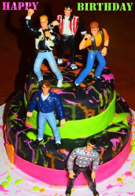 NKOTB CAKE 13 Year Old Me Is Blueing Herself Right Now