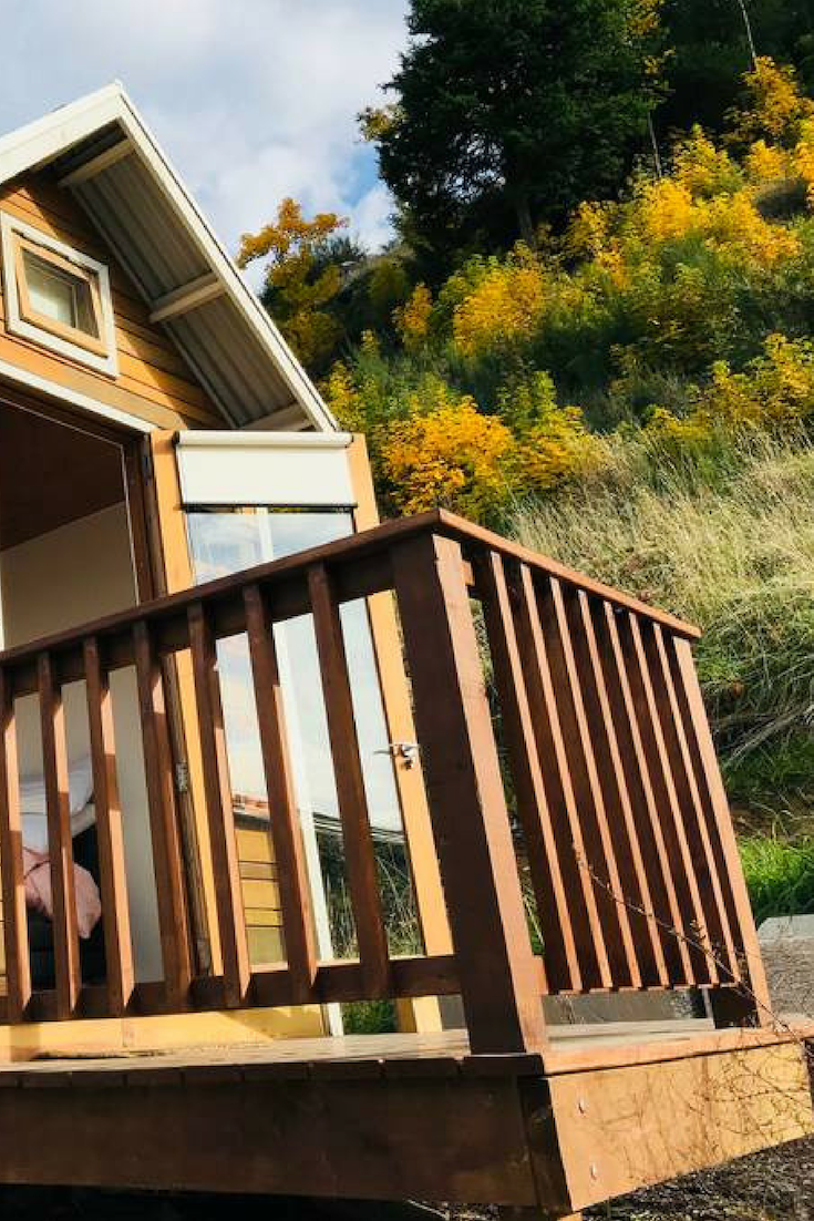 Romantic Tiny House Rental With Lake Views In Queenstown