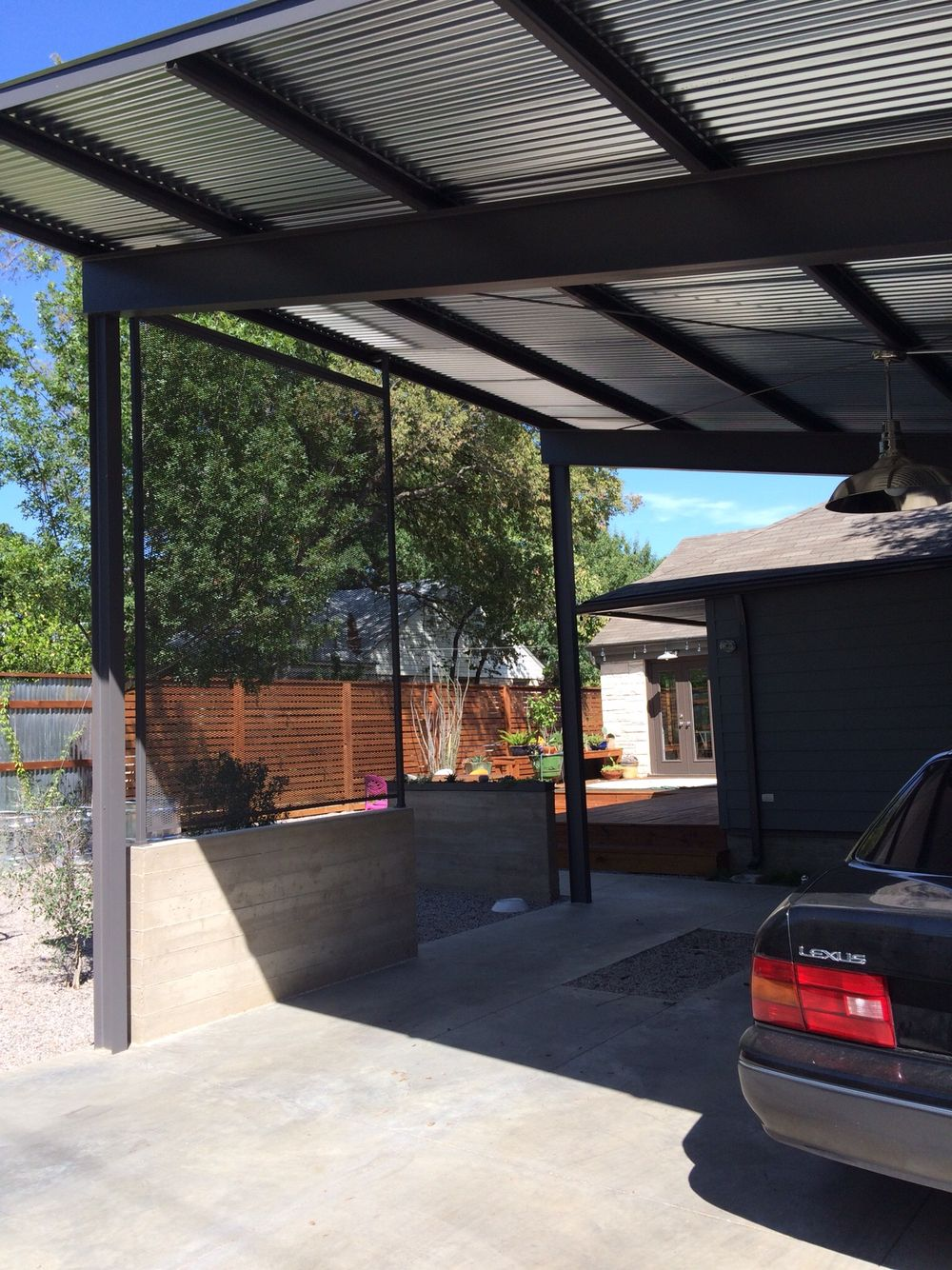 Modern Steel Car Port Designed By Jessica Chiles Dallas Tx Built By Webster Street Inc Dallas Tx Car Porch Design Carport Designs Carport