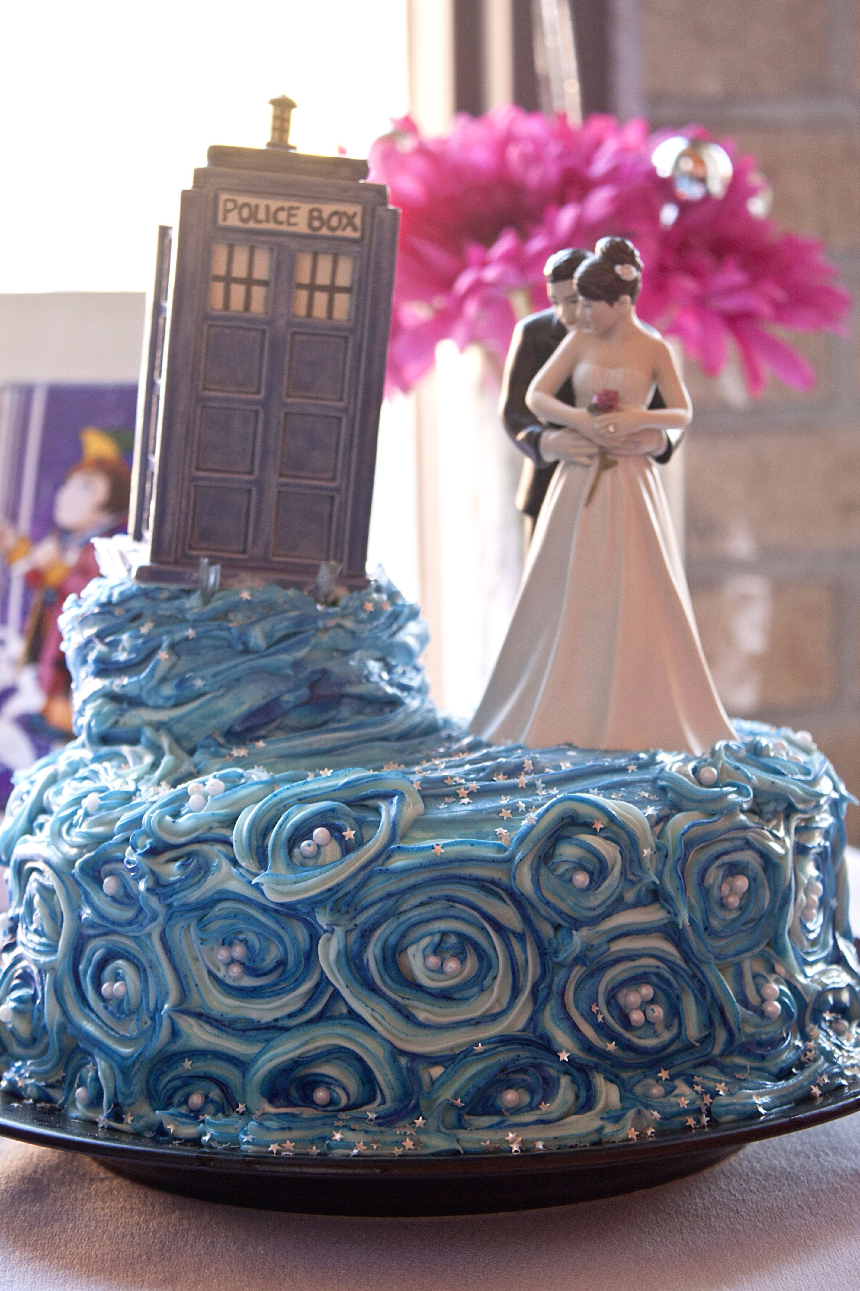 doctor who inspired wedding reception   doctorwho  wedding  cake