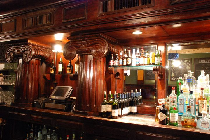 Casey S Irish Pub Located In Downtown Los Angeles Home Of The Largest Irish Whiskey Collection In La Irish Pub Pub Irish Whiskey