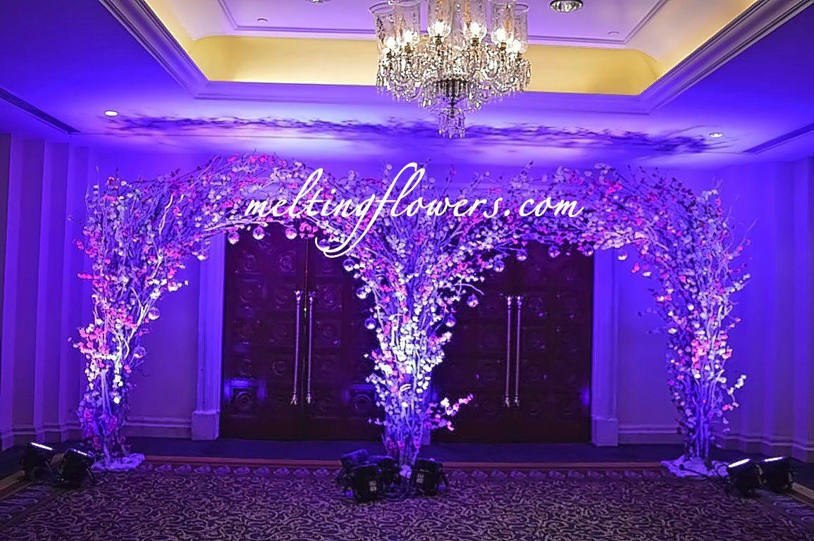 The Leela Palace Bangalore Best Wedding Hotels In Bangalore Wedding Entrance Wedding Entrance Decor Wedding Mandap