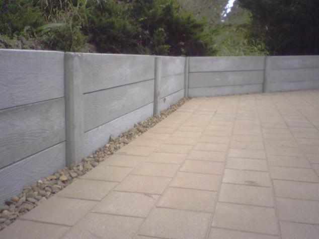 Retaining Wall Pre Cast Block Work Outdoorwood In 2020 Concrete Retaining Walls Landscaping Retaining Walls Retaining Wall