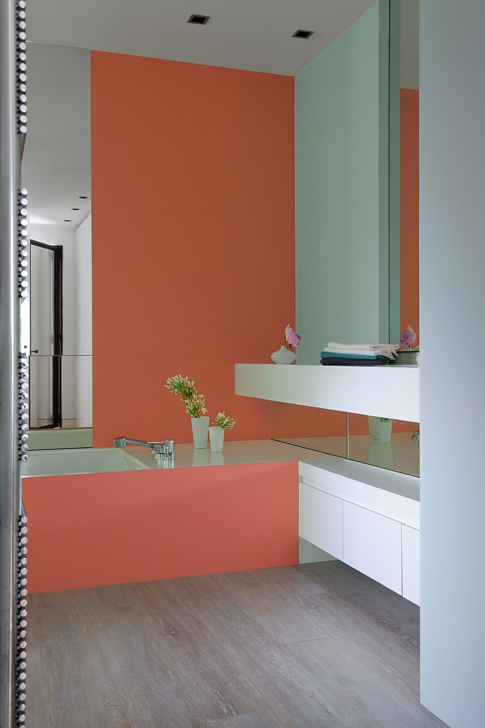 Du Peps Dans La Salle De Bains Peinture Zolpan Orange Vert