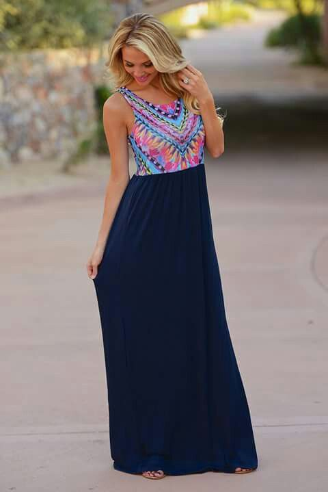 Love maxi dresses they are the easiest thing to wear when u dont know what else to wear and still make you look put together