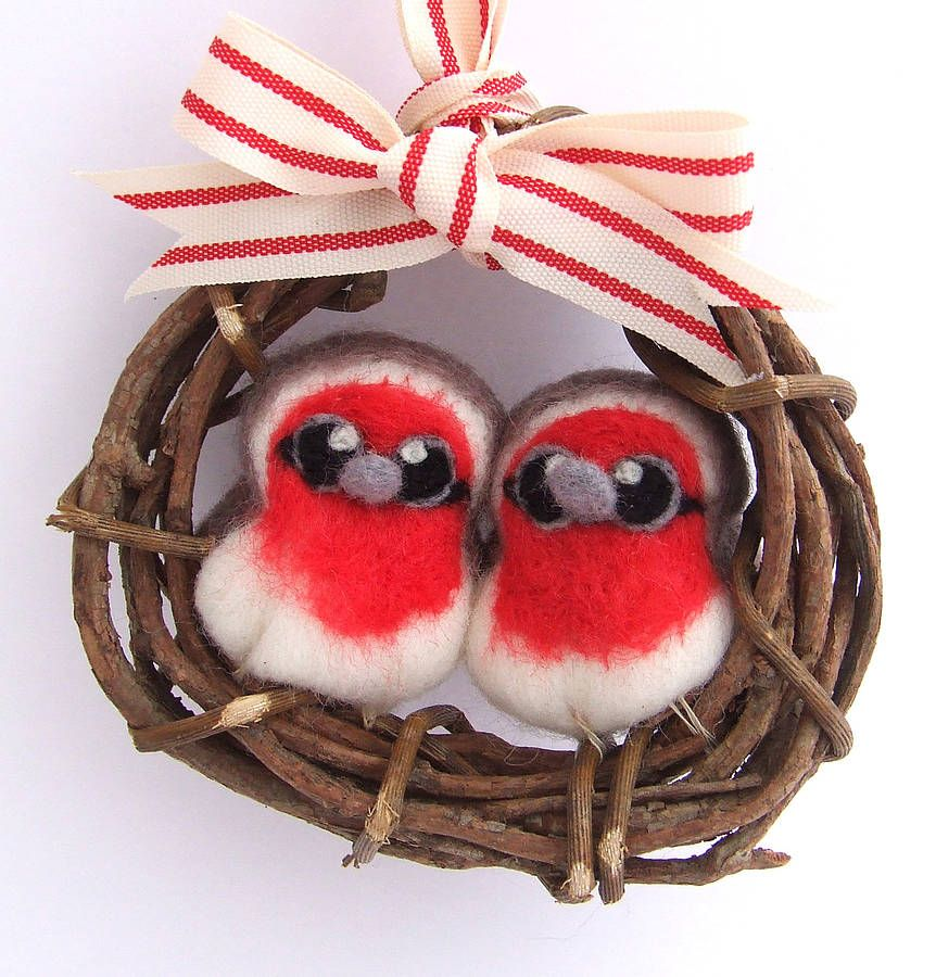 mini robin wreath christmas decoration by feltmeupdesigns notonthehighstreet com