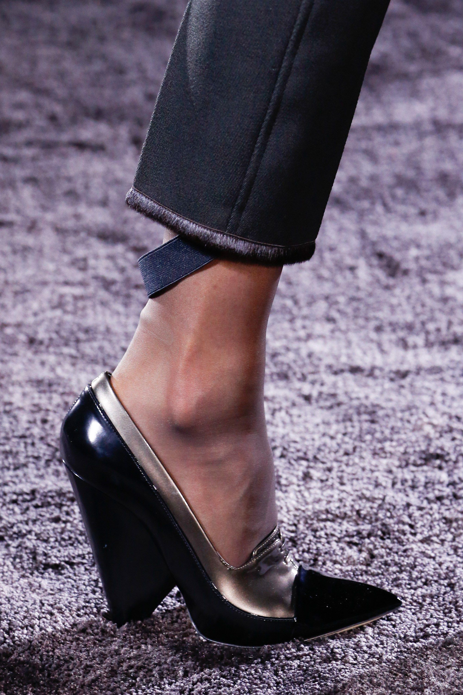 Nina Ricci Fall 2016 Ready-to-Wear Fashion Show Details