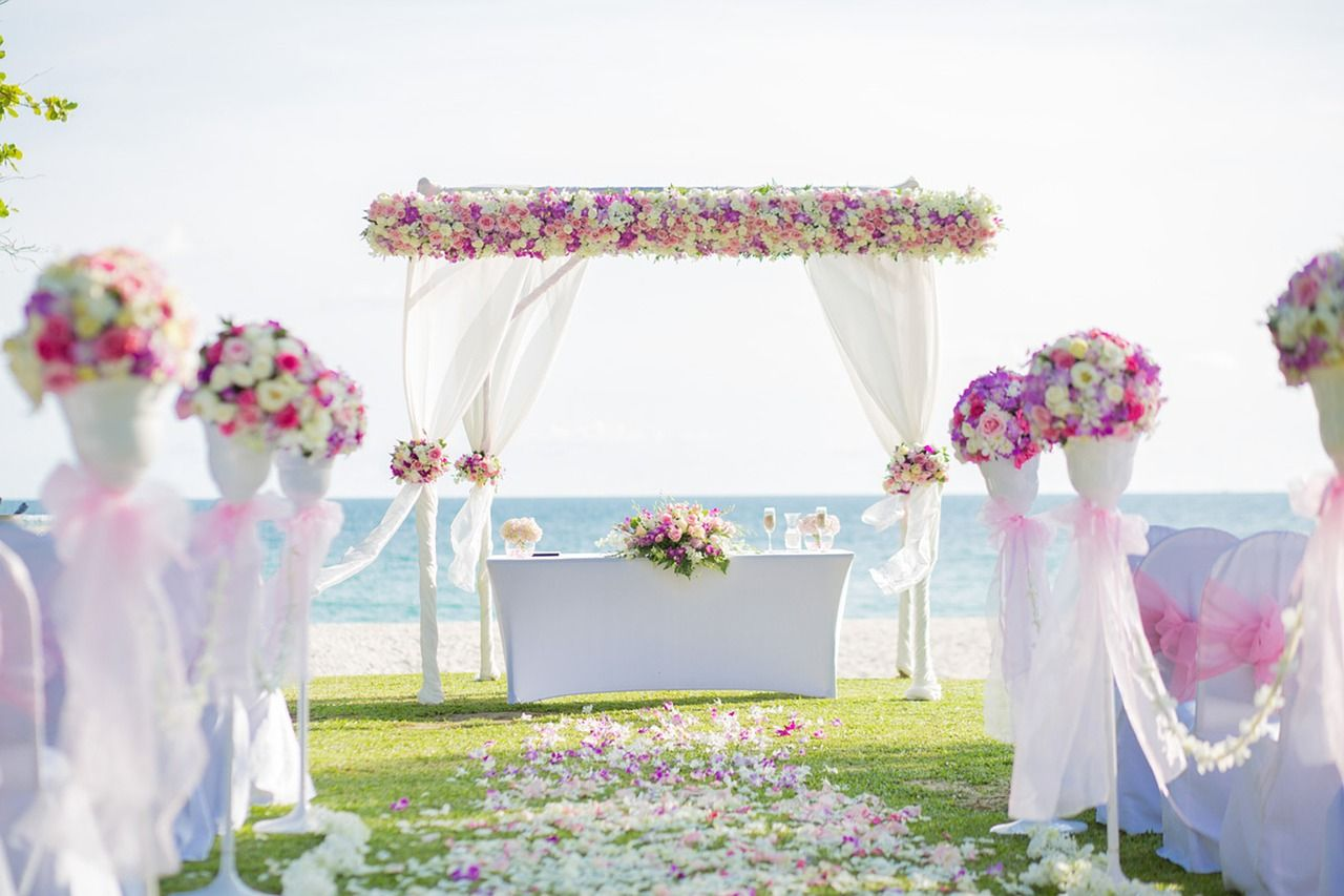 11 beautiful floral beach wedding arch decoration ideas rustic 11 beautiful floral beach wedding arch decoration ideas junglespirit Choice Image