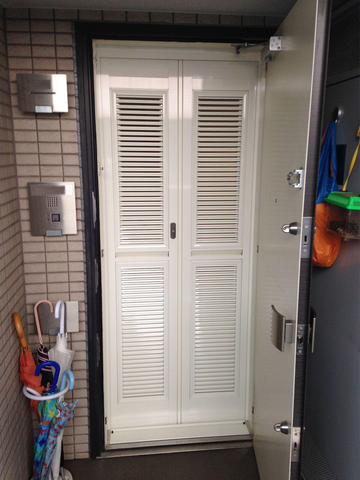 玄関網戸クールドアの取り付け 玄関網戸本舗 今日は 横浜市の