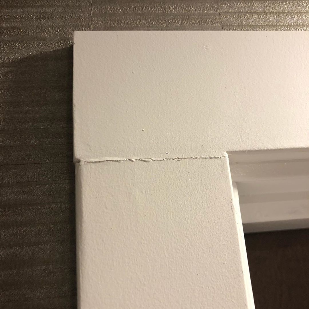 Question: Why this happens?? I'm seeing this all around.. let's talk about this louder so other finishers out there become aware how to do it right! —- Anyway. What's done wrong?? . . . #trim #finishcarpentry #vancouvercarpenter #baseboards #trimwork #hometheater #custom #woodworking #carpentry #carpenter #woodworking #woodwork #wood #diy #renovation #woodworker #joinery #remodel #homeimprovement #finishcarpentrytv #homedecor #builder #home #woodart #carpentrywork #carpenters #carpentrys #woodworktrimwork